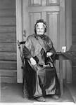 Fru John Monsen Gram født Hatleberg - Glassplatebilde fra eske nr. 16